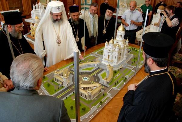 Monastirea Preafericitului. Parodie Catedrala Manuirii Neamului si PF Daniel